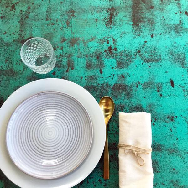 mesa de hierro con acabado oxido en color cobre