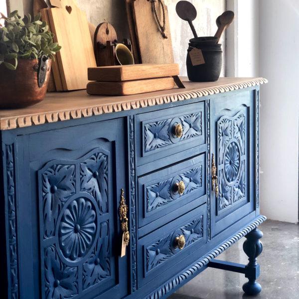aparador de madera color azul