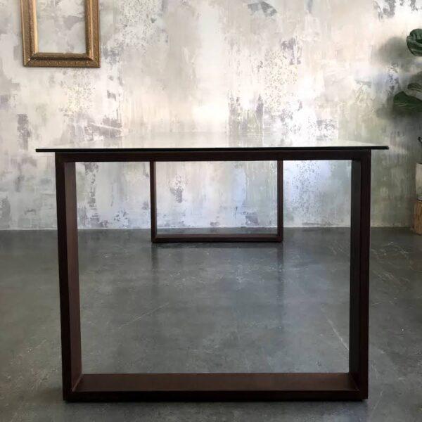 Mesa a medida en cristal y hierro