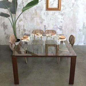 mesa de cristal y acero